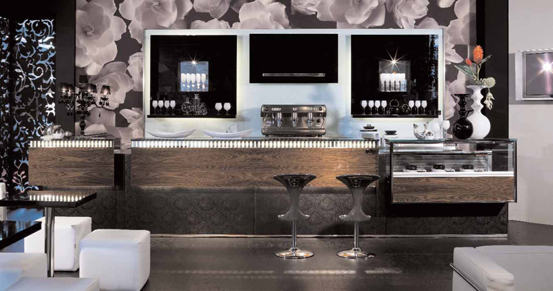 Arredamento per bar linea arredo bar arredamenti e for Arredamento bar tabacchi usato