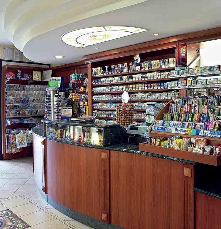 Arredamento per tabaccheria edicola linea arredo for Arredamento bar tabacchi usato